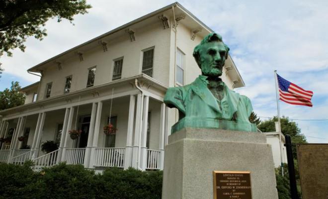 Geneseo Historical Museum, Geneseo, Abraham Linclon Statue, Abraham Linclon