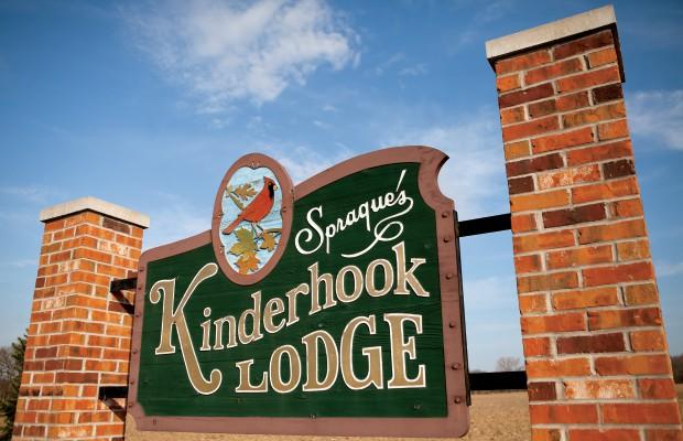 Kinderhook Lodge Bed and Breakfast in Kinderhook, IL